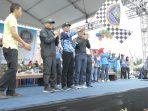 Wakil Wali Kota Batam, Amsakar Achmad melepas peserta Bersepeda dan Jalan Santai. Dataran Engku Hamidah