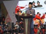 Wakil Wali Kota Batam, Amsakar Achmad memberikan sambutan pada malam acara pembukaan Kenduri Seni Melayu (KSM) Tahun 2019 di Dataran Engku Putri